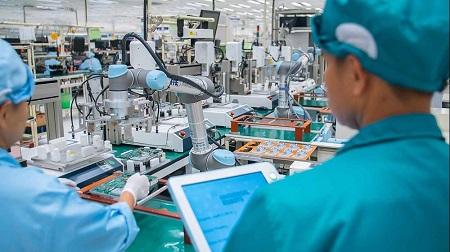 Universal Robots Blog Electronics Industry