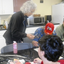 Phyllis Biegun teaches a ceramics class to individuals at our Woodland Road location.
