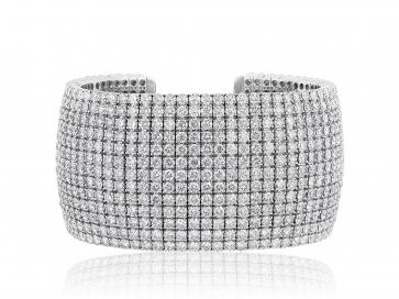 18 kt. 43.47 cts Diamond Cuff Bracelet